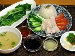 海南鶏飯定食っぽく盛り付けてみました
