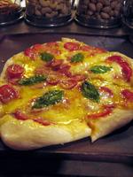 白浜のバー「九十九」のピザ