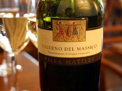 この日飲んだ白ワイン「ファレルノ・デル・マッシコ(Falerno del Massico)」3500円