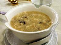 安くて量もたっぷりあったオコゼ(石頭魚)のスープ「石頭魚羹」