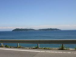 淡路島の土生近くからみた沼島